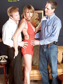 MILF Threesome Pics