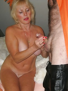 Mature mom hadjobs