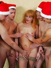 girl group of nude women